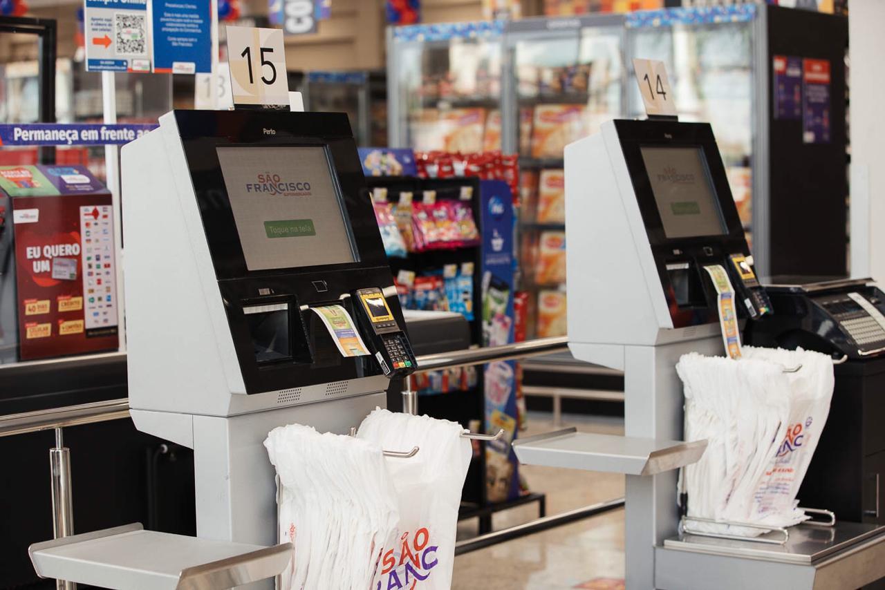 Nova loja Supermercados São Francisco traz inovação com o self-checkout Perto.