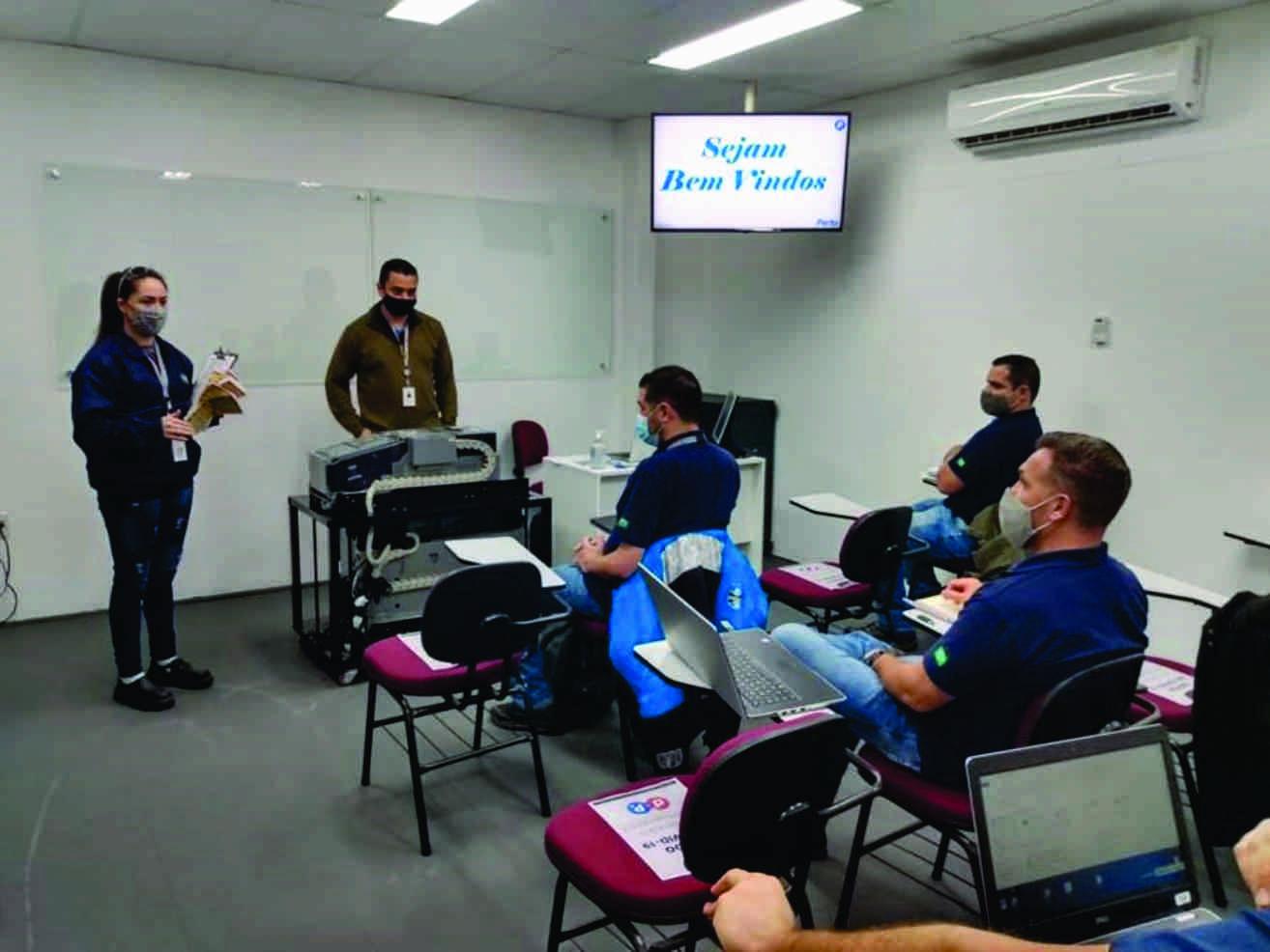 Por dentro da Perto: treinamentos técnicos retornam de maneira consciente e adequada aos novos padrões.